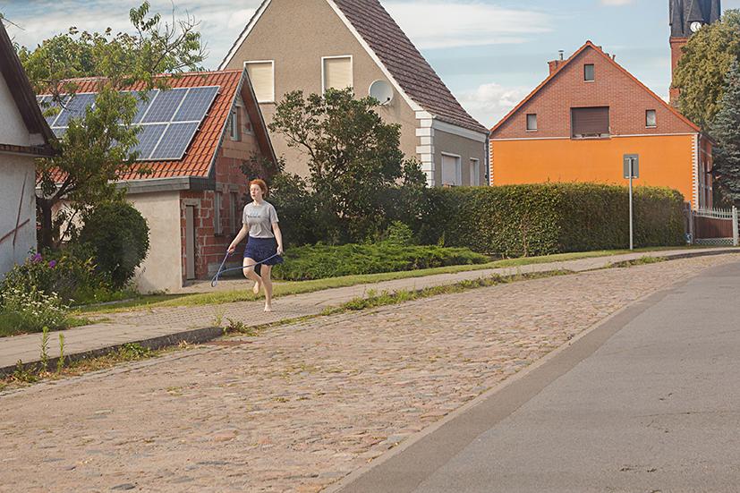 """lena loose"", lena maria loose fotografie photography barfuss girl jumping seilspringen dorf village"